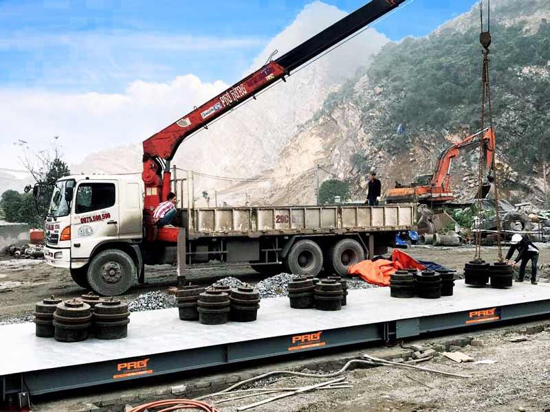 Hình hảnh thực tế thi công lắp đặt cân tại mỏ đá Kiện Khê - Hà Nam