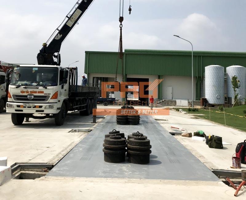 Hình ảnh lắp đặt cân xe tải 100 tấn tại Quảng Bình
